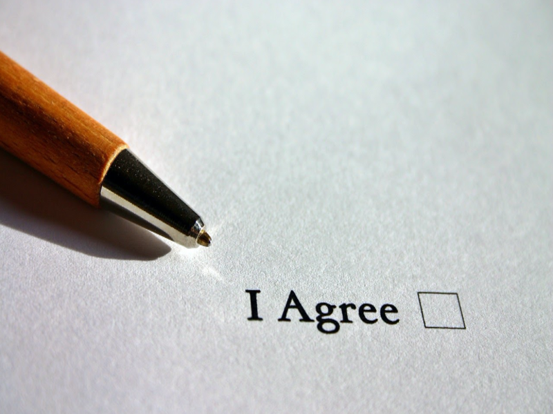 Freelance contract: how to write it the right way?